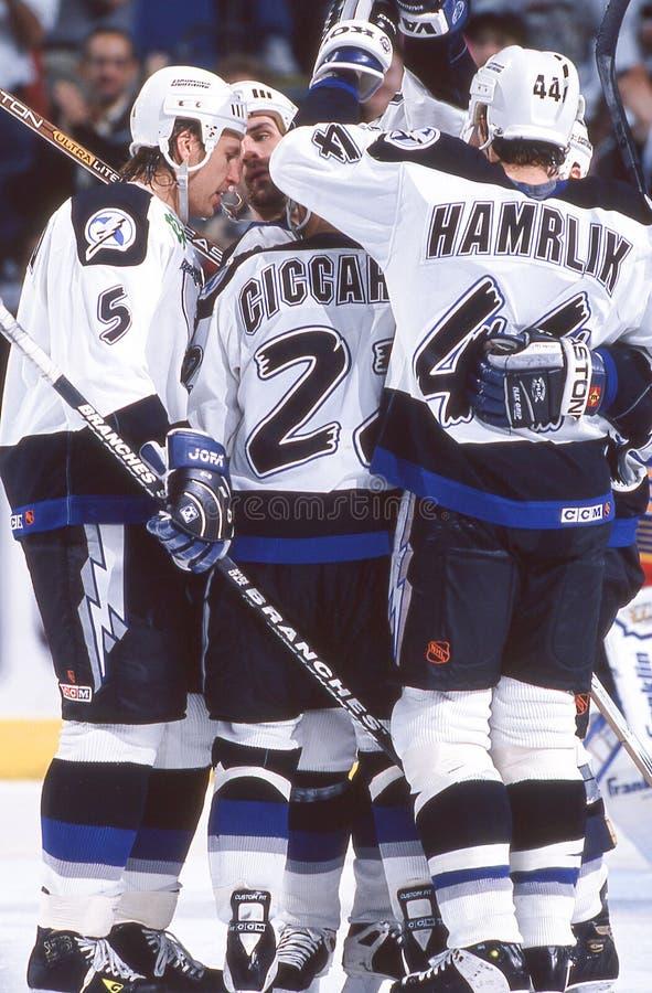 Dino Ciccarelli y Roman Hamrlik, Tampa Bay Lightning fotos de archivo libres de regalías