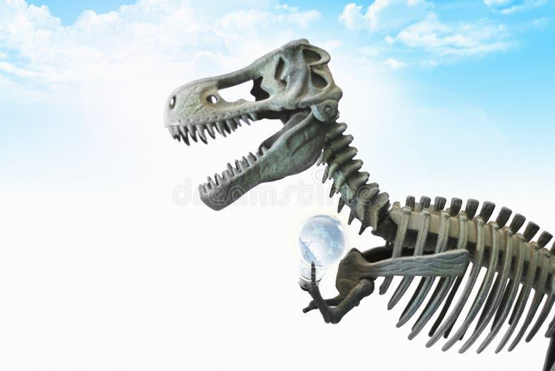 Dinosaurie och blå himmel arkivbilder