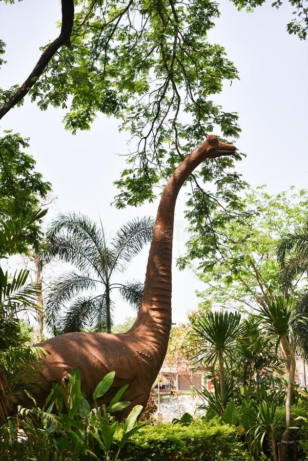 Dinosauro della statua fotografia stock