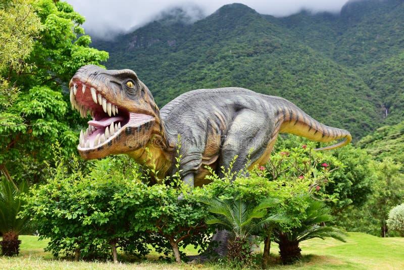 Dinosaurusbeeldhouwwerk royalty-vrije stock foto's