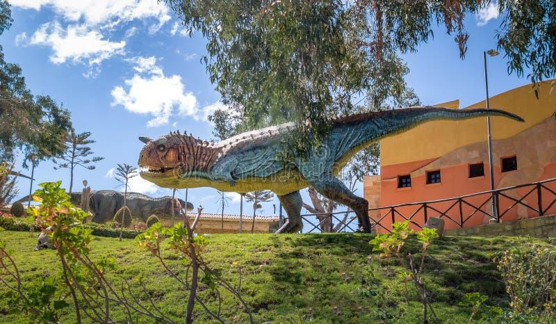 Dinosaurusmodel in Krijtachtig Park van Cal Orcko - Sucre, Bolivië royalty-vrije stock foto