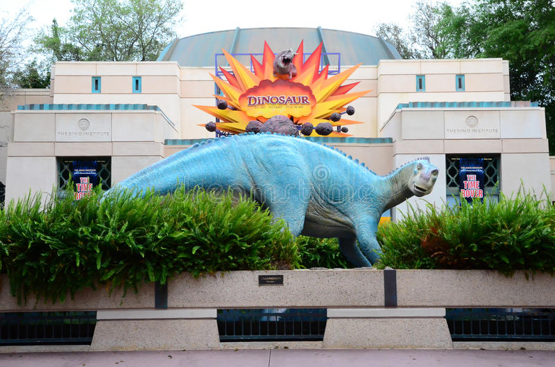 Dinosaurusstandbeeld stock foto's