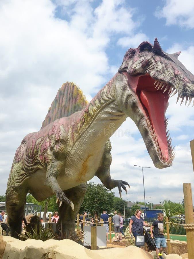 Download Dinosaury zdjęcie stock editorial. Obraz złożonej z jawbone - 57671208