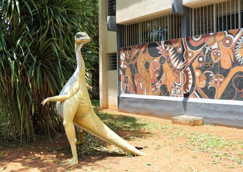 Dinossauro em África fotografia de stock royalty free