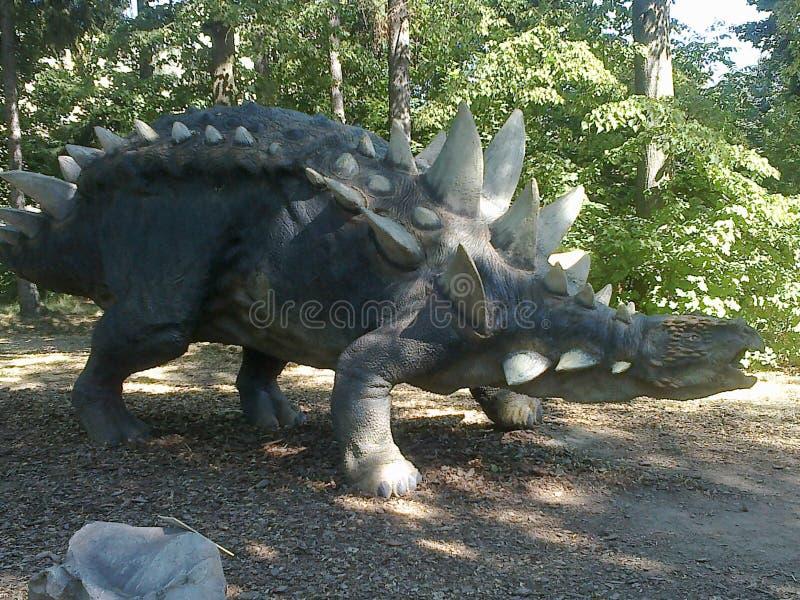 Dinossauro no dinopark imagem de stock royalty free