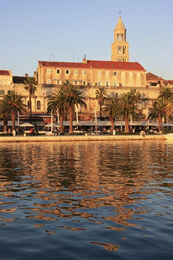 Diocletian的宫殿,分裂江边 免版税库存照片