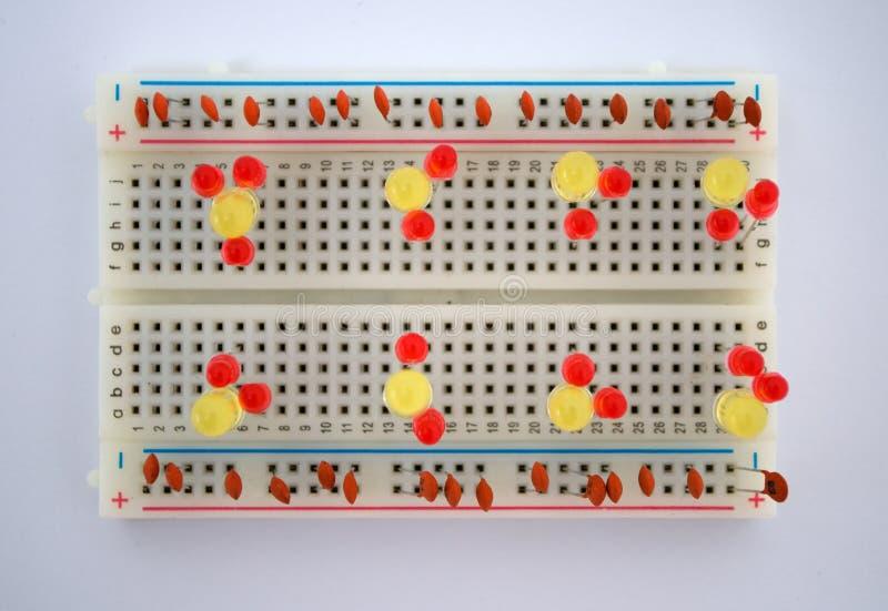 Diodo emissor de luz e componentes bondes na placa fotos de stock
