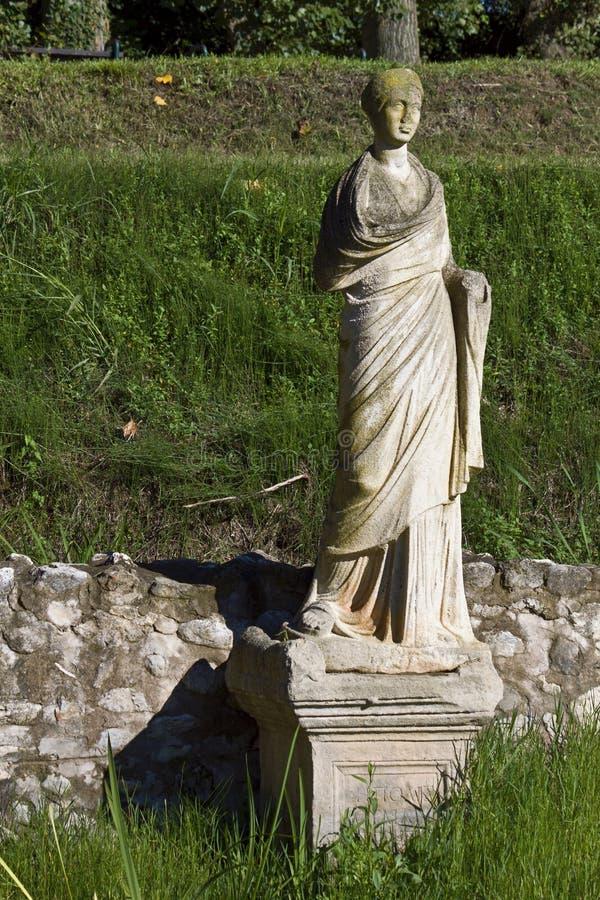 Dion antigo em Greece, templo do Isis fotos de stock