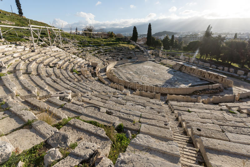 Dionysus剧院的废墟在雅典卫城,希腊 图库摄影