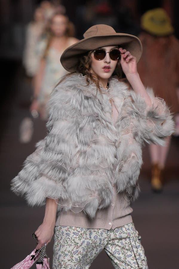 Dior - - de Week van de Manier van Parijs royalty-vrije stock afbeelding