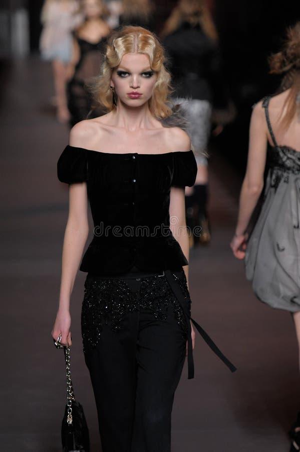 Dior - - de Week van de Manier van Parijs royalty-vrije stock foto