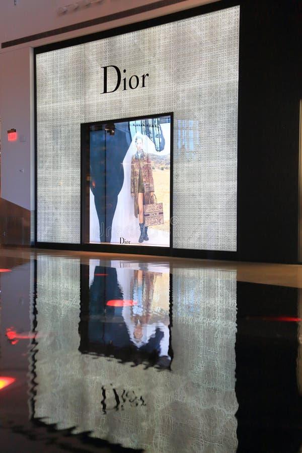 Dior Storefront avec la réflexion dans l'eau photo libre de droits