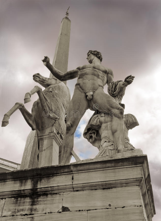 Free Dioscuri Statue In Rome Stock Photography - 78976902