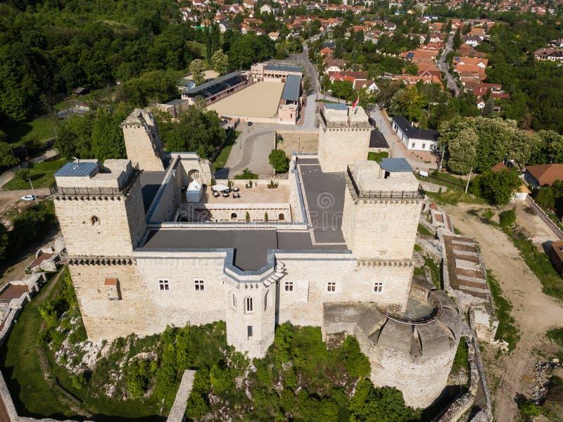 Diosgyor castle in de stad Miskolc, Hongarije stock afbeelding