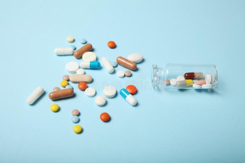 Dipendenza medica di farmacologia Antidepressivo, antibiotico, antiossidante, pillole di aspirin fotografia stock