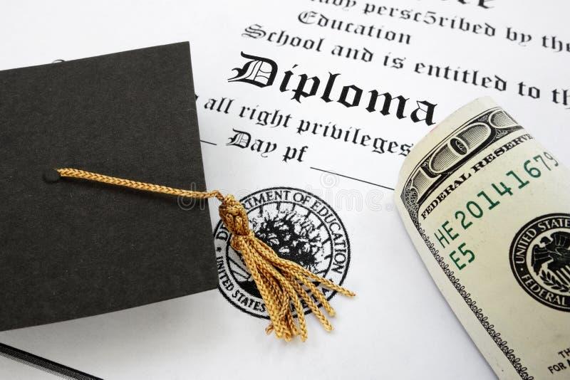 Diploma y efectivo fotografía de archivo