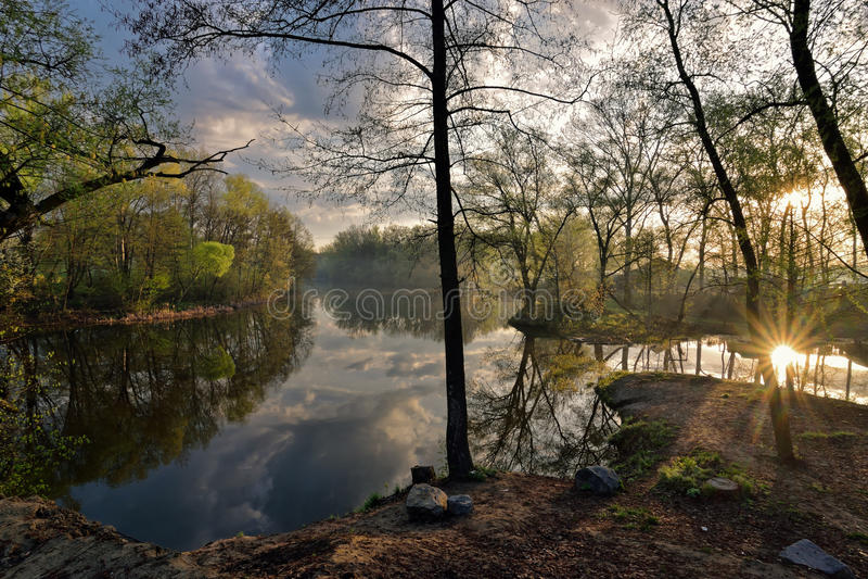 Diptych av vårsoluppgången arkivfoto