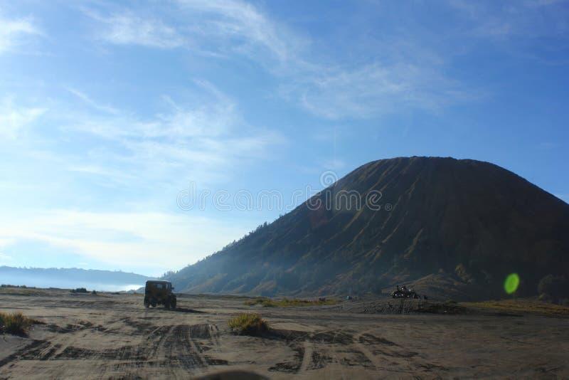 Direção ao vulcão fotografia de stock