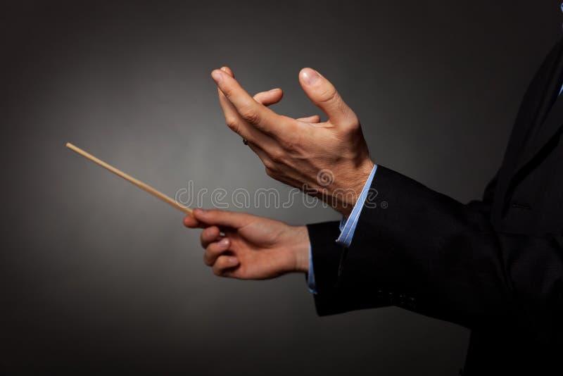 Direção masculina do maestro da música fotos de stock royalty free