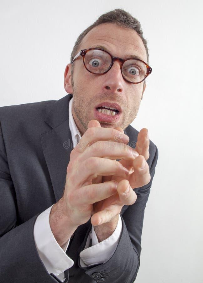 Directeur consterné exprimant le danger ou la phobie avec l'humeur et crainte images libres de droits