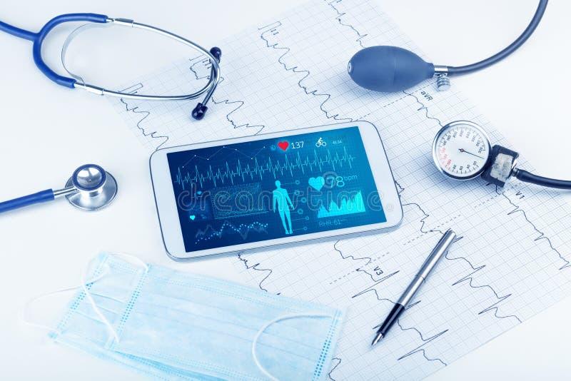 Direkt diagnos med medicinsk applikation royaltyfri illustrationer
