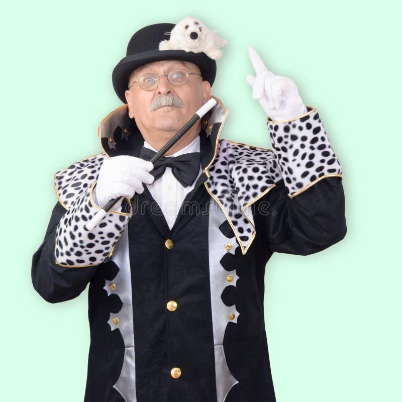 Diretor do circo que aponta no selo imagem de stock royalty free