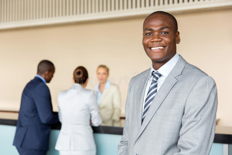 Direttore di hotel afroamericano fotografia stock libera da diritti