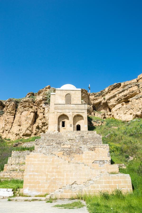 Diri酵母酒蛋糕陵墓在Gobustan区,阿塞拜疆Maraza市 库存照片
