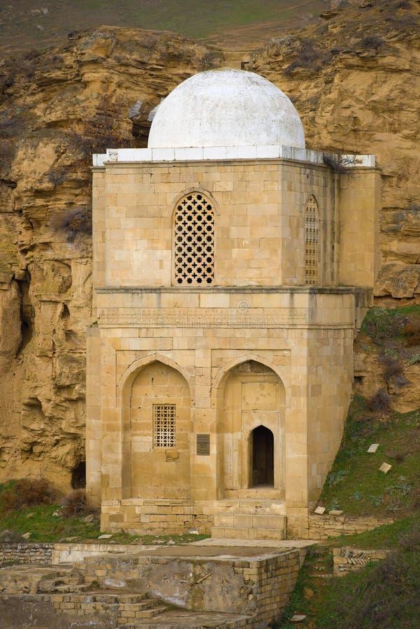 Diri Baba回教族长特写镜头,阿塞拜疆中世纪陵墓  免版税库存图片