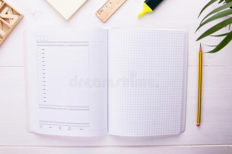 Diriga i vostri pensieri, piani ed organizzi il vostro tempo di lavoro immagini stock