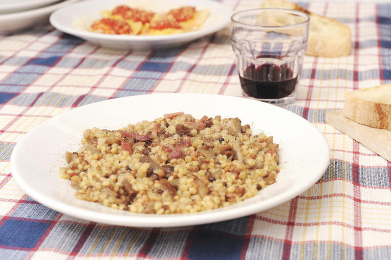 Dirija a culinária italiana feita imagem de stock royalty free