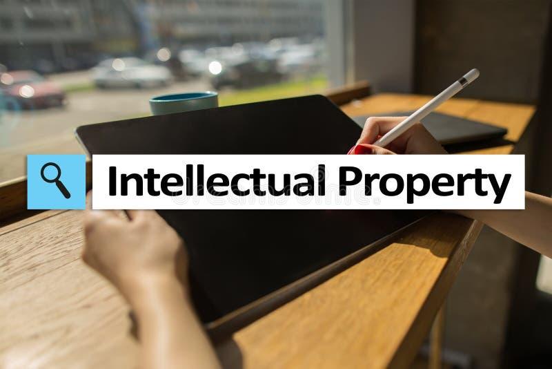 Diritti di proprietà intellettuale brevetto Concetto di affari, di Internet e di tecnologia fotografia stock libera da diritti