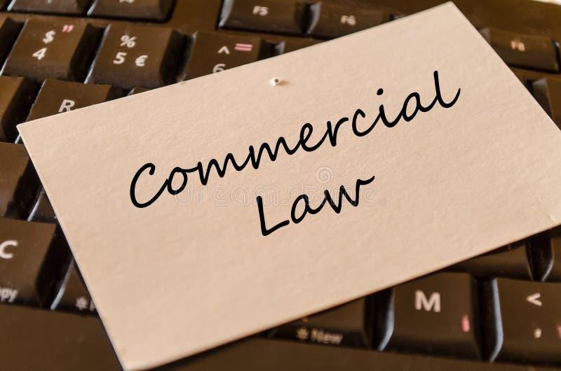 Diritto commerciale - nota sulla tastiera nell'ufficio fotografia stock libera da diritti