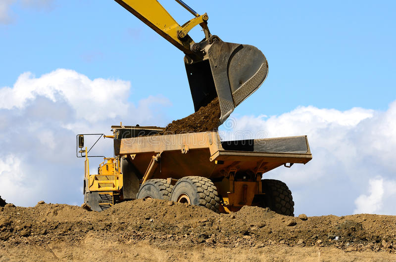 Download Dirt Dig stock image. Image of machine, lorry, dump, building - 21646009