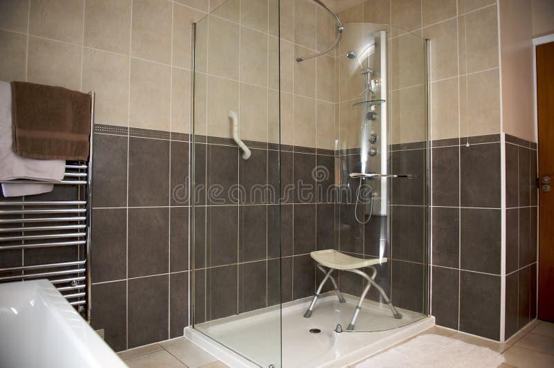 disabled duschar enheten arkivbilder