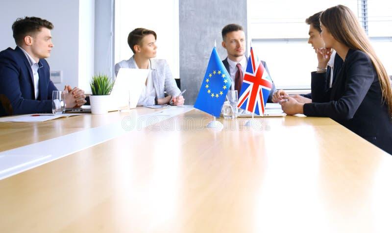 Disaccordi fra i capi dell'Unione Europea e la Gran Bretagna alla riunione Brexit fotografie stock libere da diritti