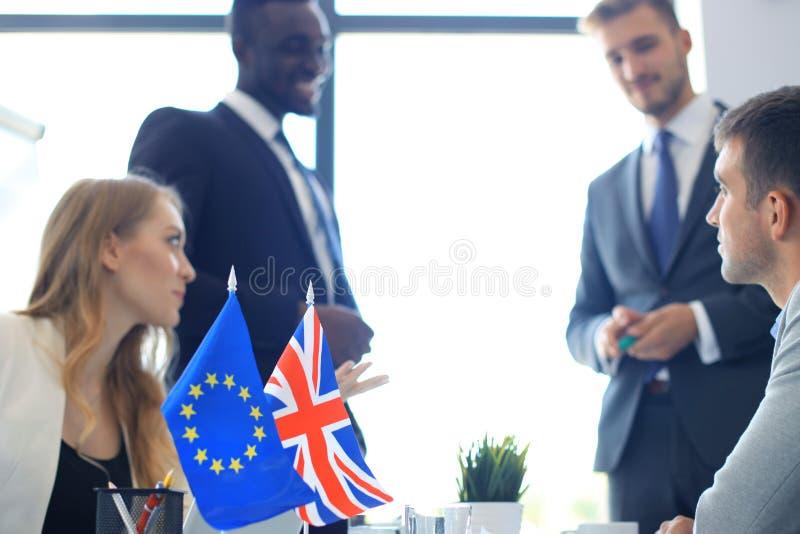 Disaccordi fra i capi dell'Unione Europea e la Gran Bretagna alla riunione Brexit fotografie stock