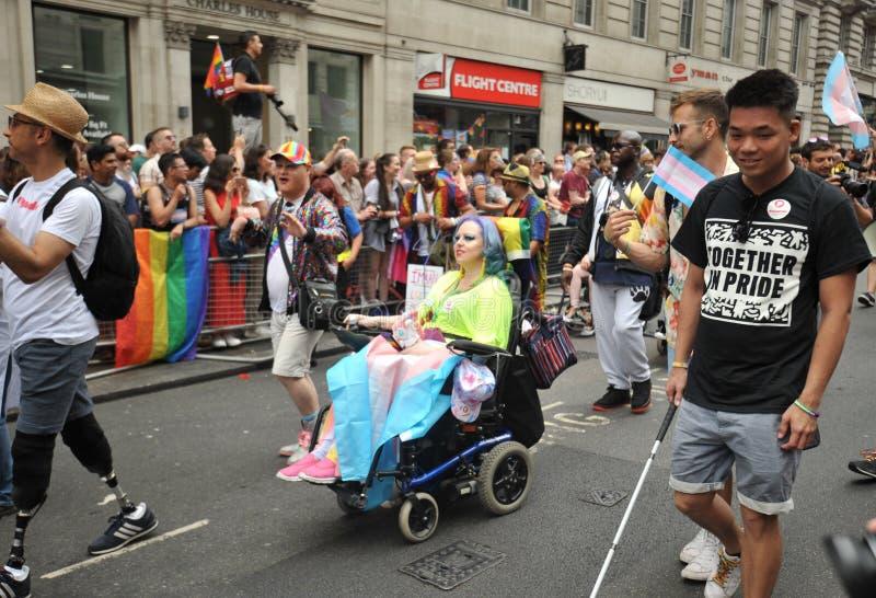 Disattivi la donna al gay pride di Londra a Londra, Inghilterra 2019 fotografia stock