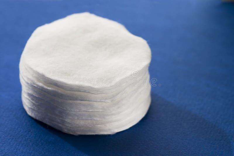 Dischi del cotone immagini stock libere da diritti