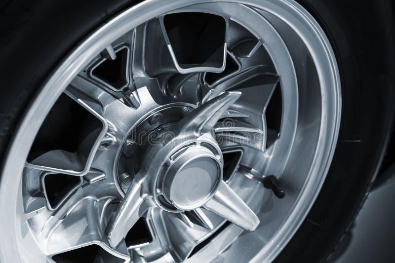 Disco de roda cromado Carro luxuoso do vintage imagem de stock royalty free