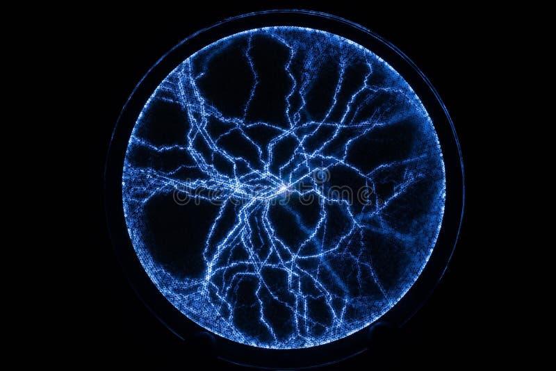 Disco del plasma su fondo nero Plasma dell'alta energia fotografia stock libera da diritti