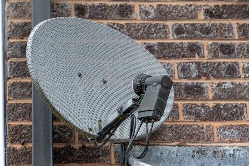 Disco del satellite della TV fotografia stock libera da diritti