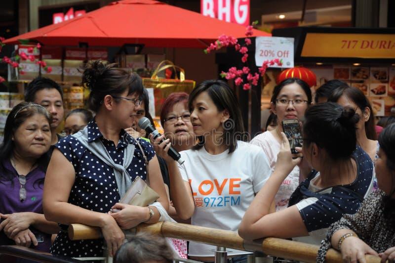 Disco-jóquei chinês Wendy Zeng Xiaoying da estação de rádio de Mediacorp imagem de stock