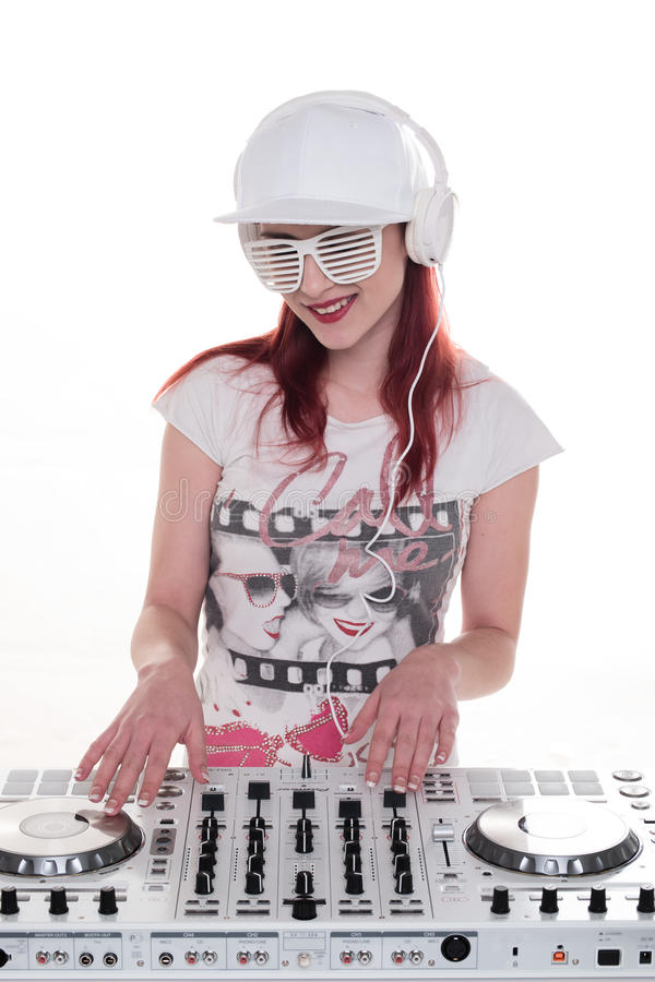 Disco-jóquei fêmea feliz Mixing Music imagem de stock