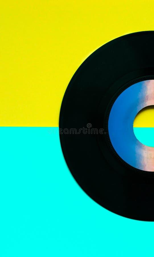 Disco retro, estilo del vinilo del gramófono del vintage en colores amarillos felices fotografía de archivo libre de regalías