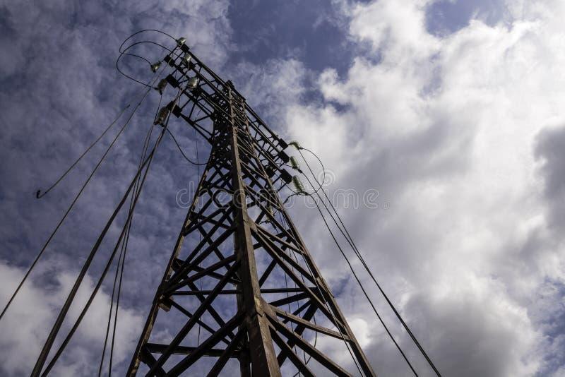 Disconnected опора powerline стоковые фотографии rf