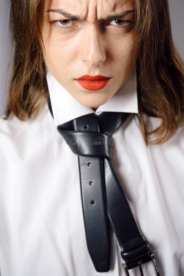 discontent Non vi gradisco Donna calda sexy con le labbra rosse immagini stock libere da diritti