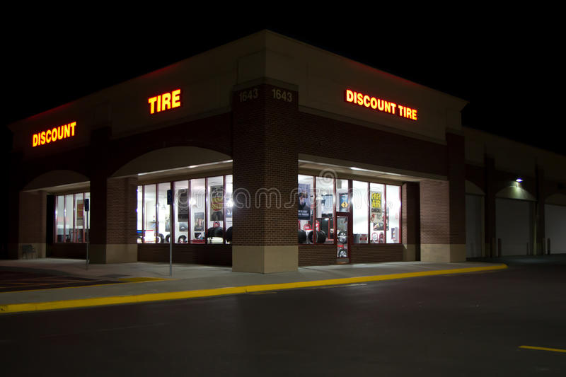 Discount Tire Utah >> Discount Tire Building Night Editorial Photography Image