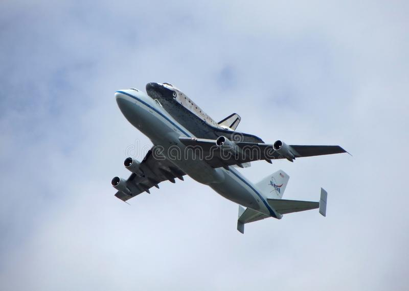 Download Discovery Shuttle Fly Over editorial photo. Image of editorial - 24376711