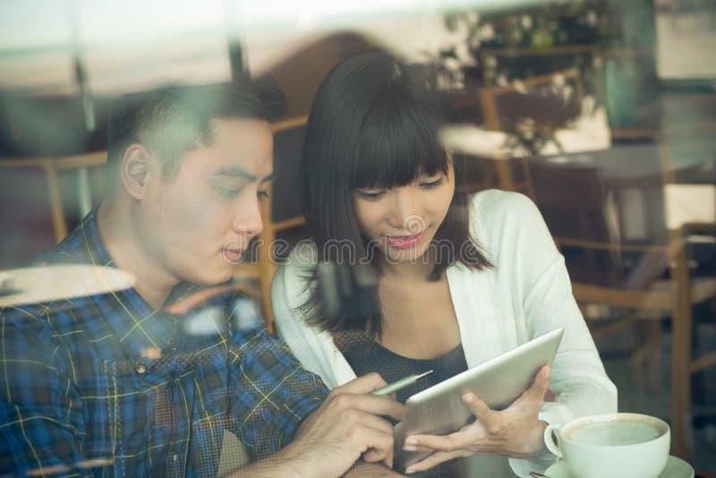 Discusión de la información imagen de archivo libre de regalías